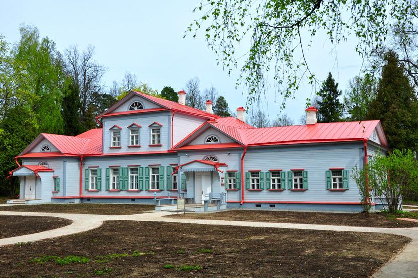 Музей-заповедник Абрамцево в Московской области
